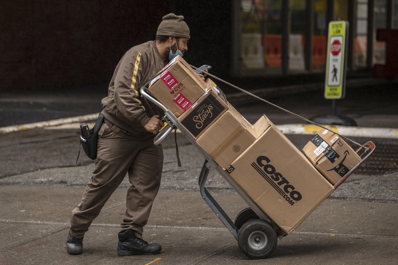Saham yang bergerak terbesar di pasar awal: UPS, Crocs, Eli Lilly, GE, Hasbro & lainnya thumbnail