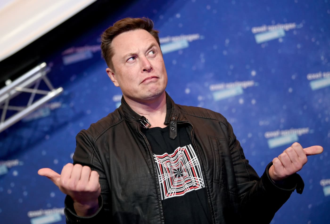 Elon Musk blasts Jeff Bezos' Amazon, alleging effort to 'hamstring' SpaceX's Starlink satellite internet