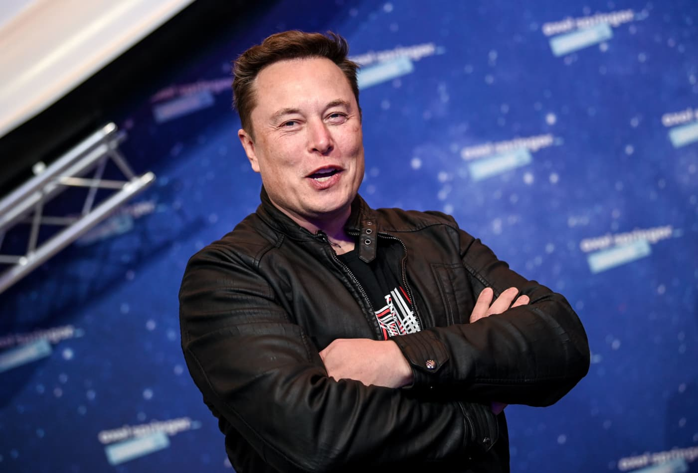 Elon Musk asks this question at every interview to spot a liar—why science says it actually works