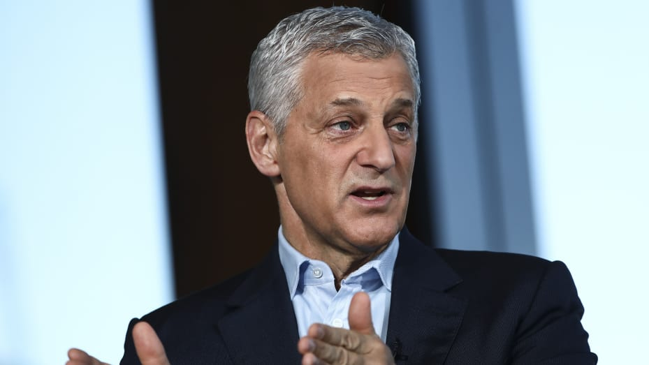 Bill Winters, chief executive officer of Standard Chartered Plc, gestures while speaking during a Bloomberg Television interview in London, U.K., on Thursday, July 4, 2019.