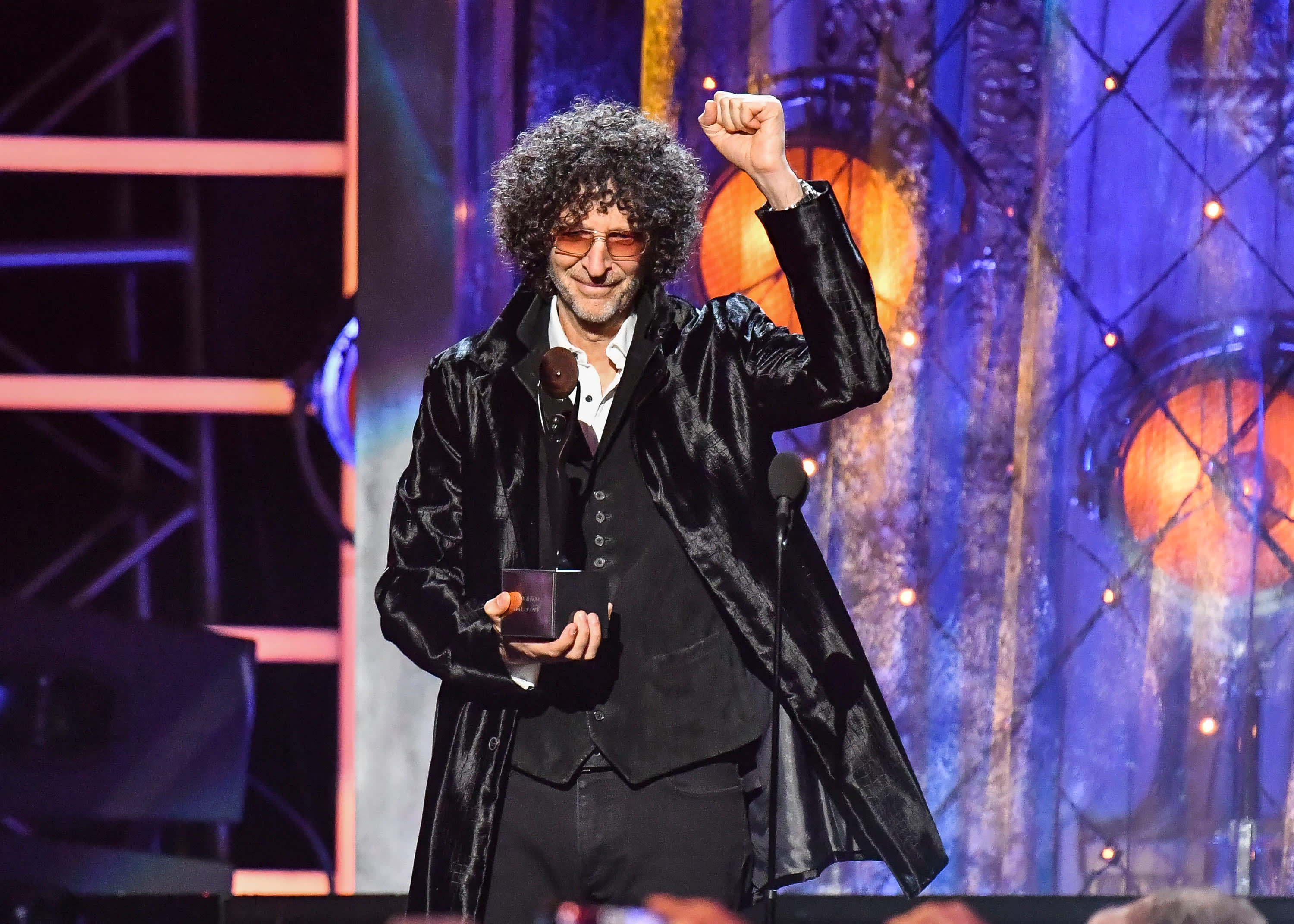 Howard Stern extends long-running SiriusXM Radio deal for five more years – CNBC