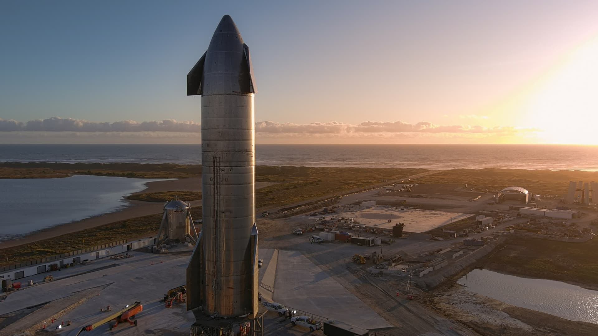 Starship prototype rocket SN8 stands on the launchpad at SpaceX's facility in Boca Chica, Texas on Nov. 10, 2020.
