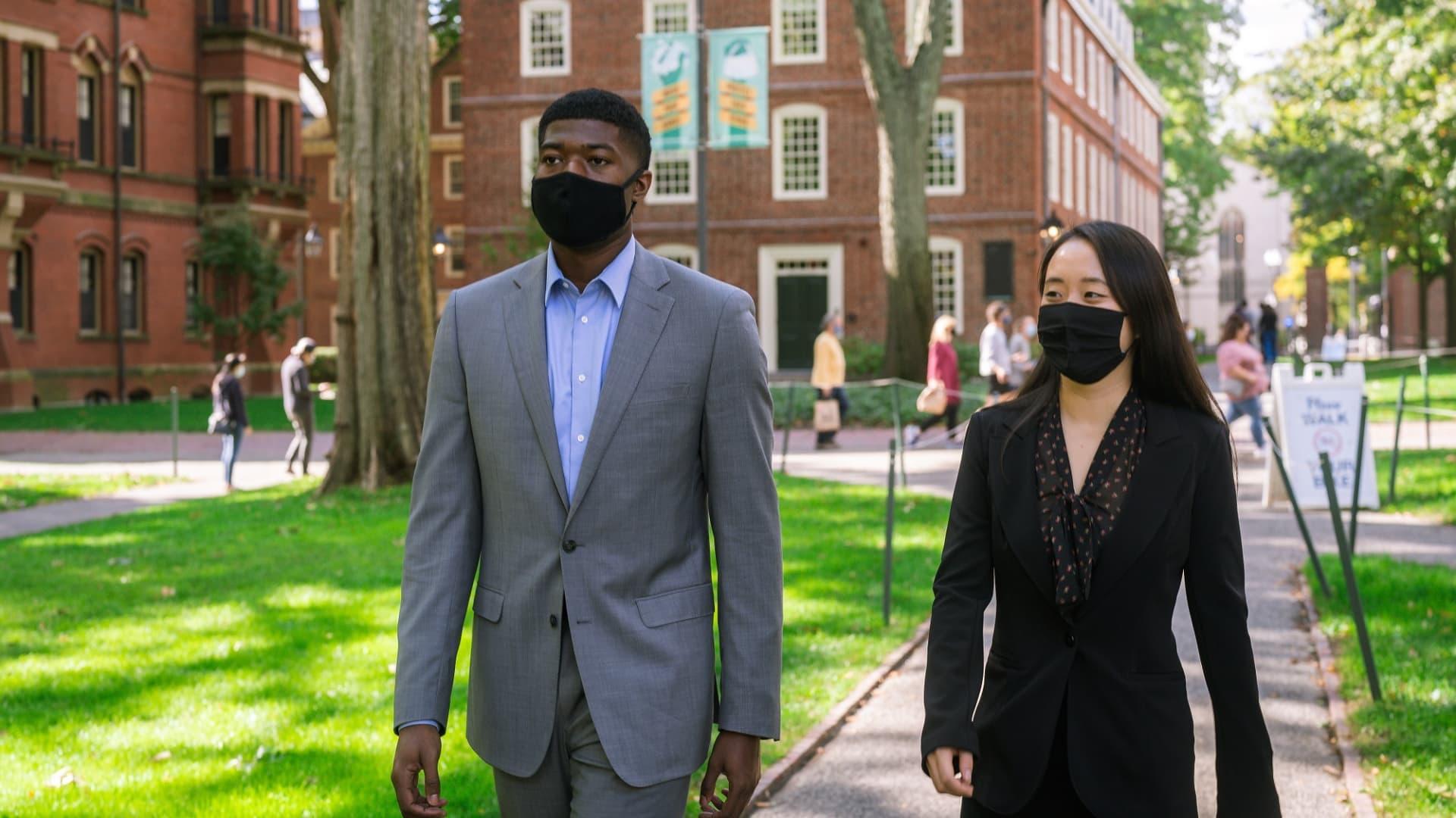 Noah Harris and Jenny Gan on Harvard's campus.