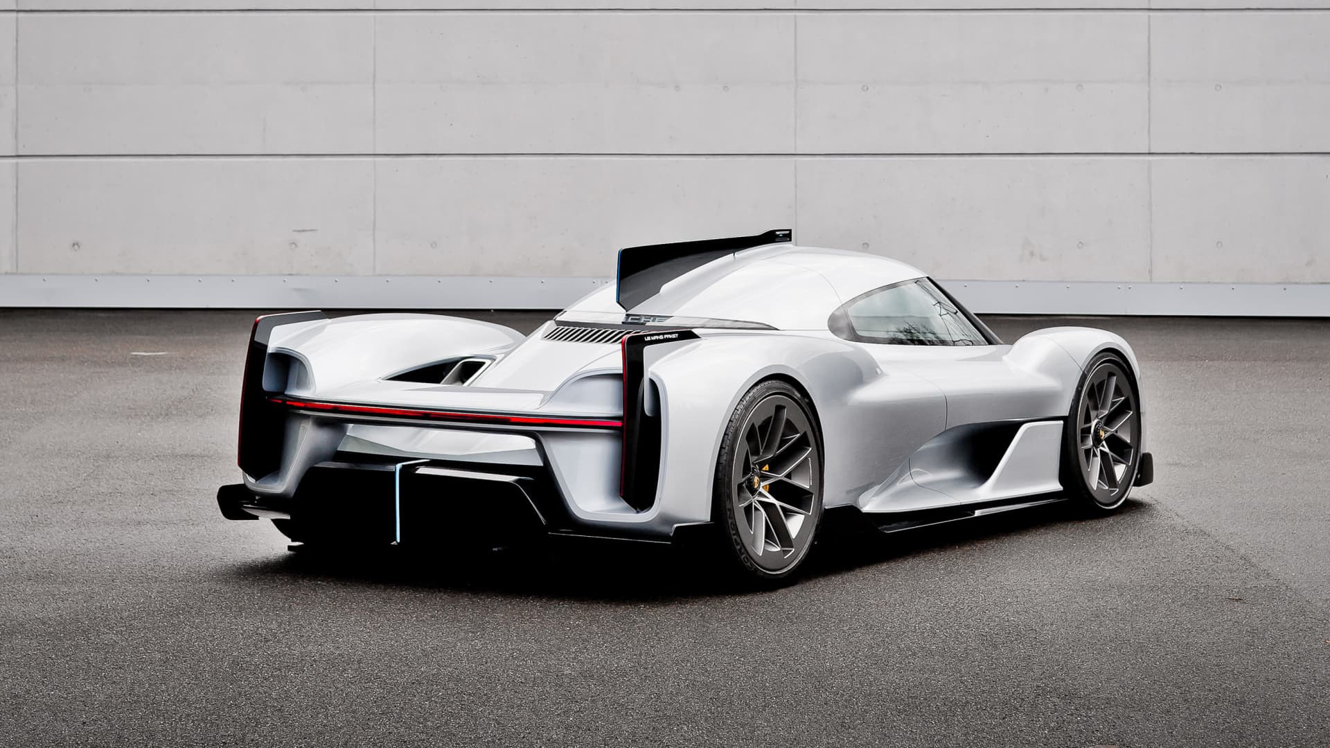 A rear view of the Porsche 919 Street concept car.