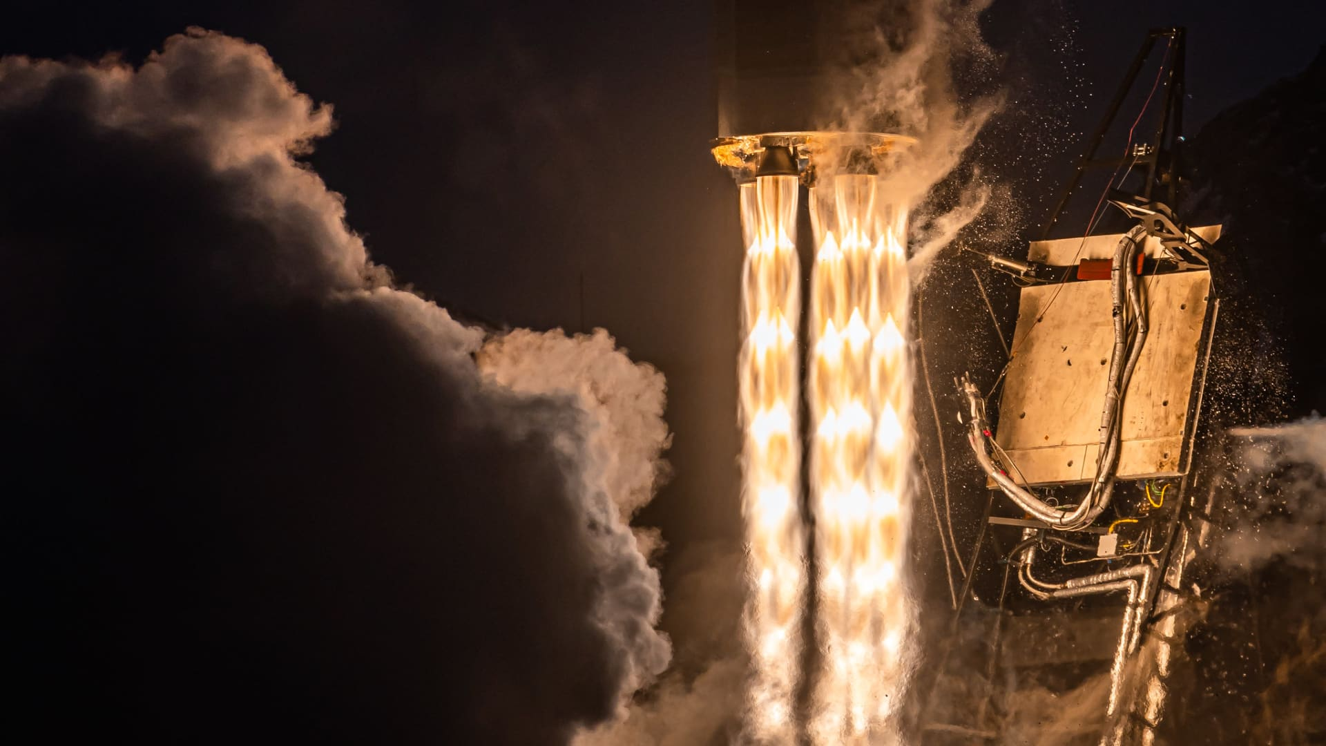 A close up view of Rocket 3.2's engines shortly after liftoff.
