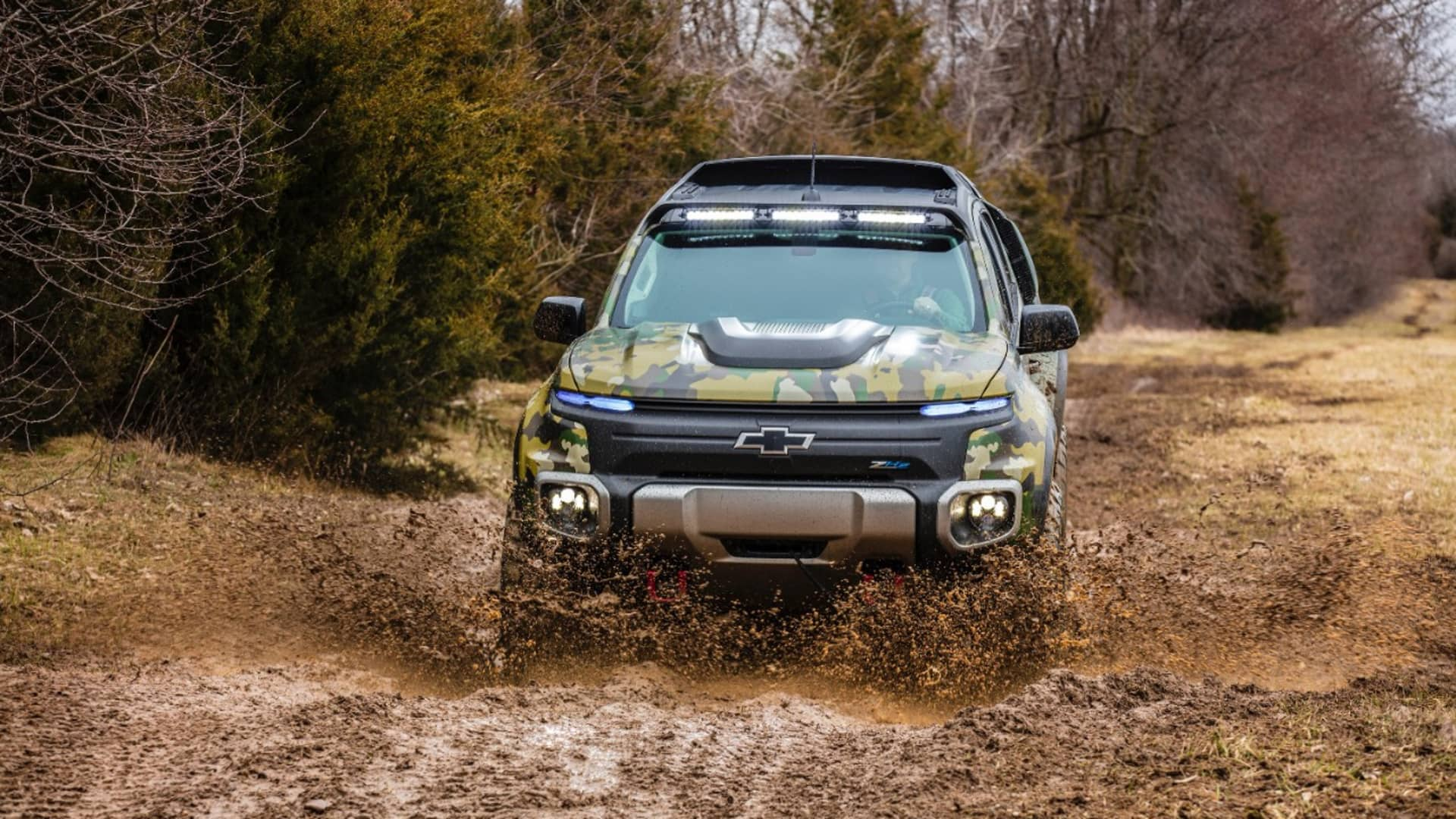 The U.S. Army started evaluating Chevrolet Colorado ZH2 fuel cell electric truck in 2017. It is based on GM's Colorado ZR2 off-road pickup.