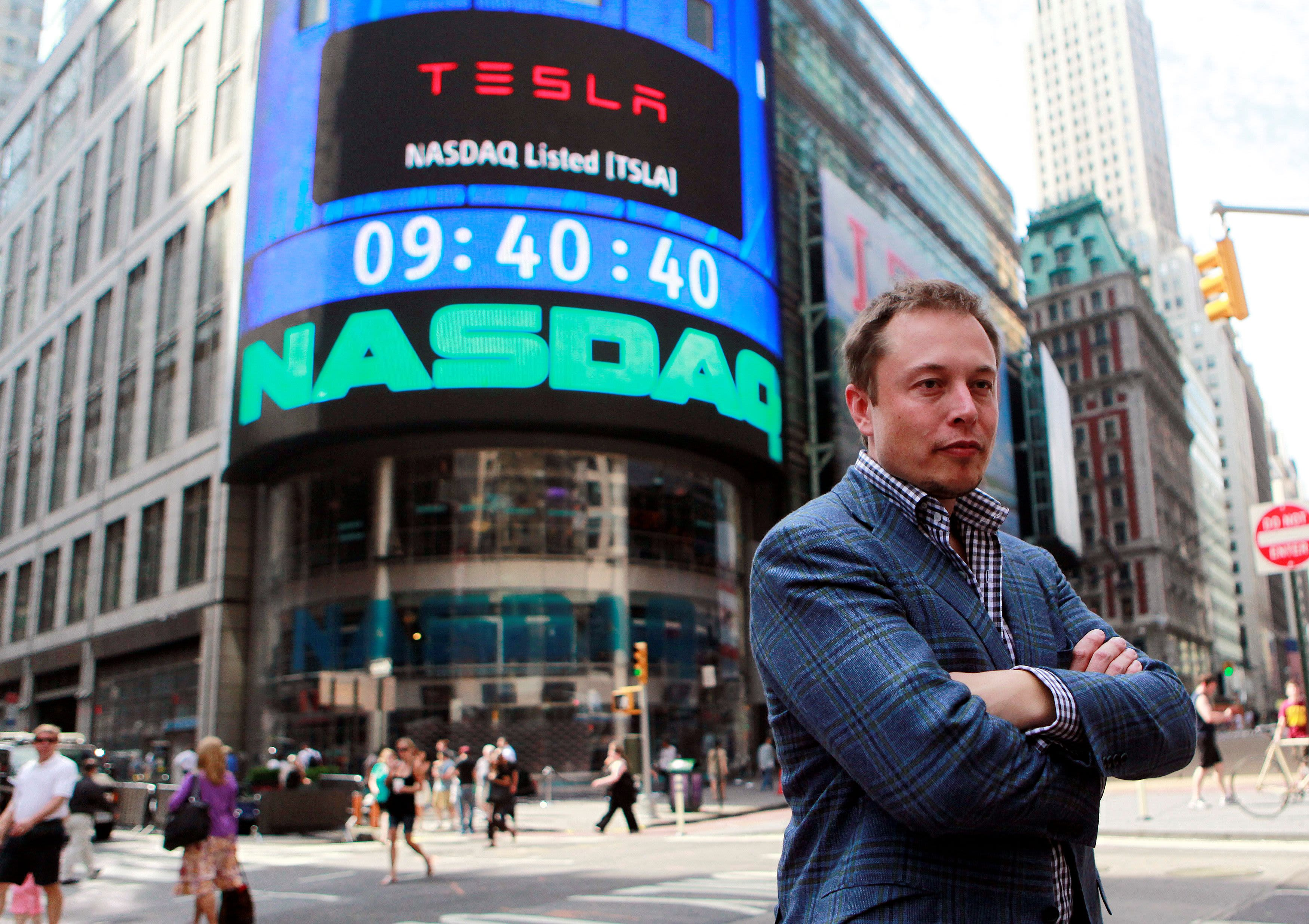 Elon Musk's tweets are moving markets-- and some investors are anxious thumbnail