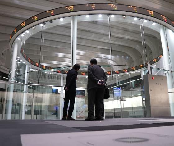 Japan, South Korea markets drop more than 2% following overnight Wall Street plunge