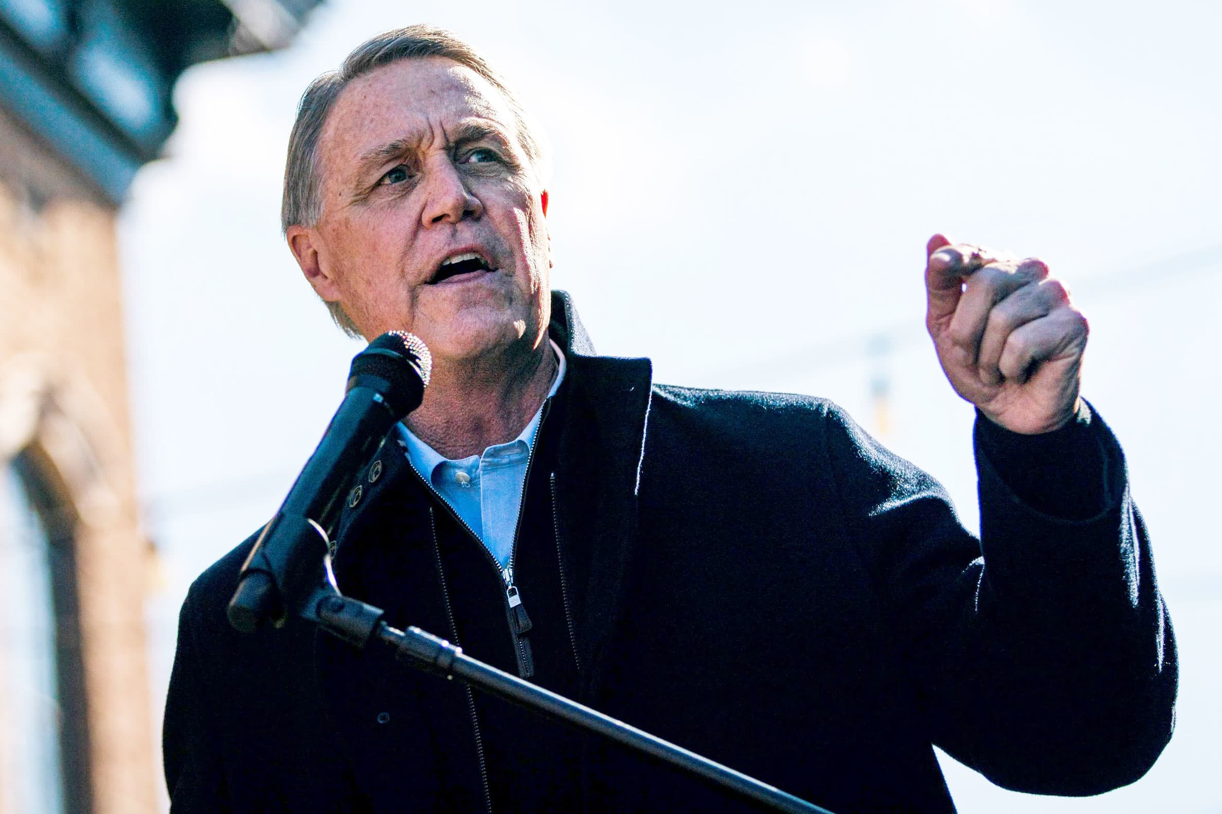 Sen. David Perdue quarantines after contact with someone infected with Covid, days prior to Georgia overflow thumbnail