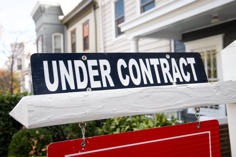 As mortgage rates shoot even higher, refinance demand plummets 10%