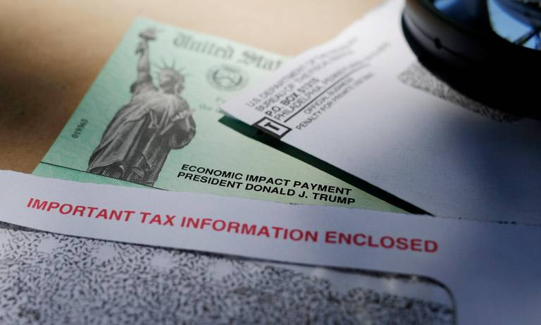 'It's extremely frustrating:' IRS unresponsive as Americans seek answers on stimulus payments