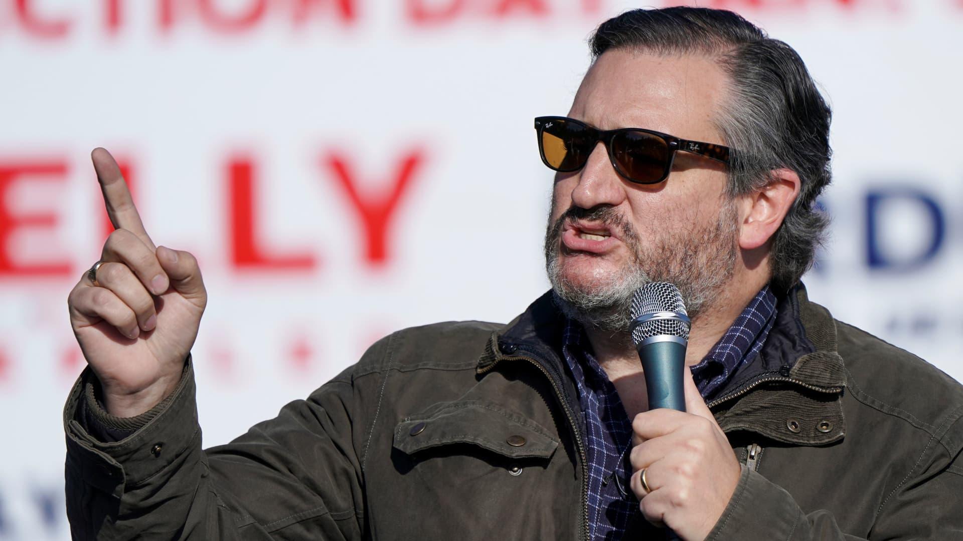 U.S. Senator Ted Cruz (R-TX) speaks at a campaign event ahead of runoff races in Georgia for control of U.S. Senate, in Cumming, Georgia, U.S., January 2, 2021.