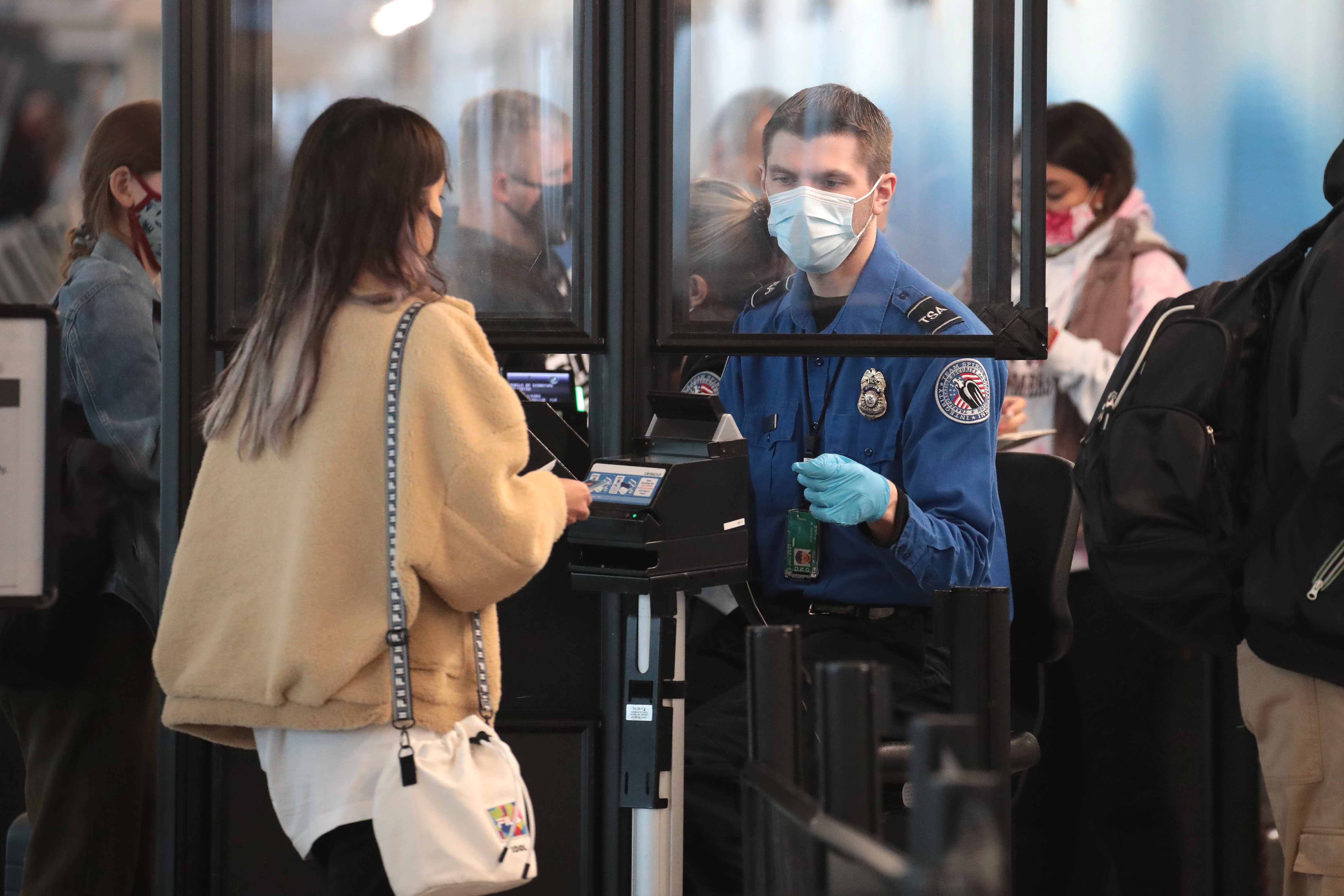 Airlines ban DC-bound travelers from checking firearms ahead of inauguration