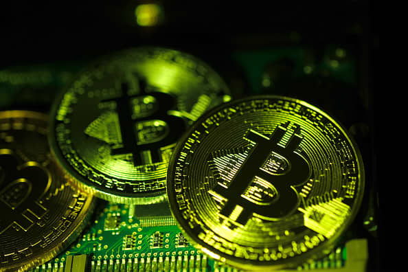 Bitcoin's big swing in prices over the weekend likely set the stage for a period of consolidation before the cryptocurrency can make another move higher.