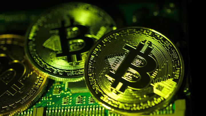 bitcoin weekend trading bitcoin palaiko auksą