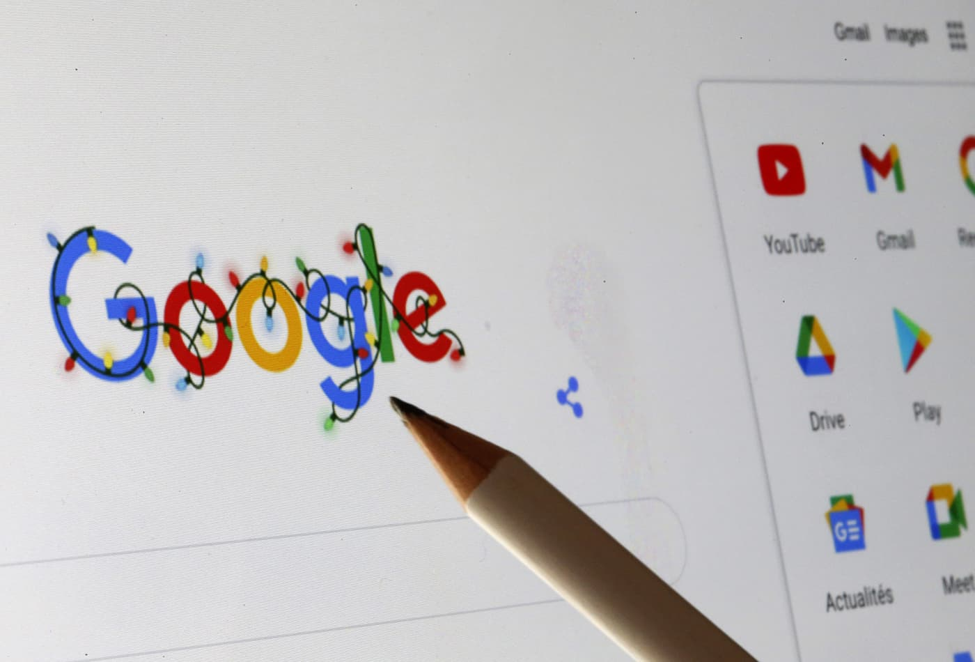 Google agrees to pay French publishers for news