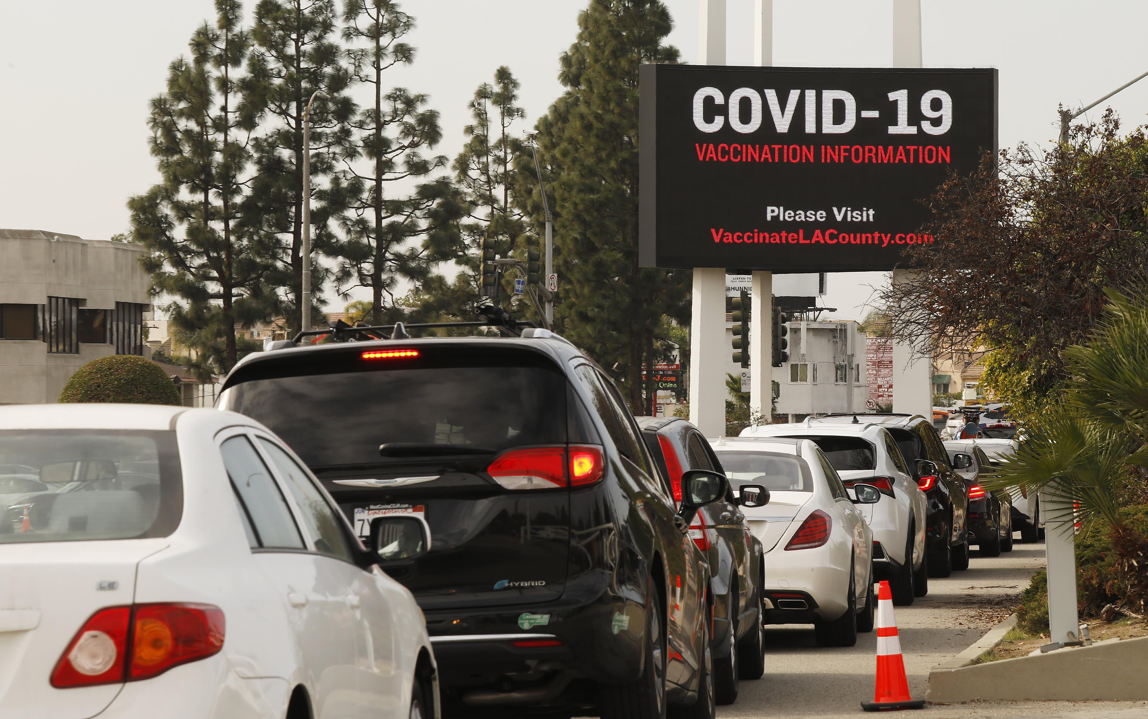 Pemerintahan Biden melakukan investasi lebih dari $ 1,6 miliar untuk memperluas Covid sorting, sequencing thumbnail