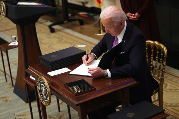 When can unemployed workers refuse a job offer? Biden wants to clear that up