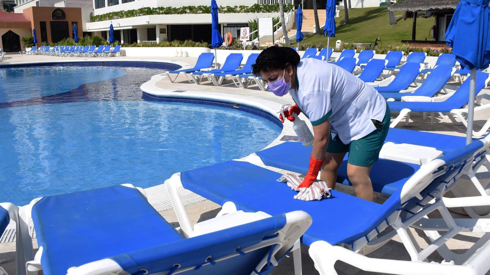 Covid Testing Hotels Scramble As U S Changes Flight Requirements