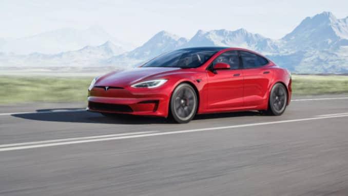 Tesla Model S Kẻ sọc