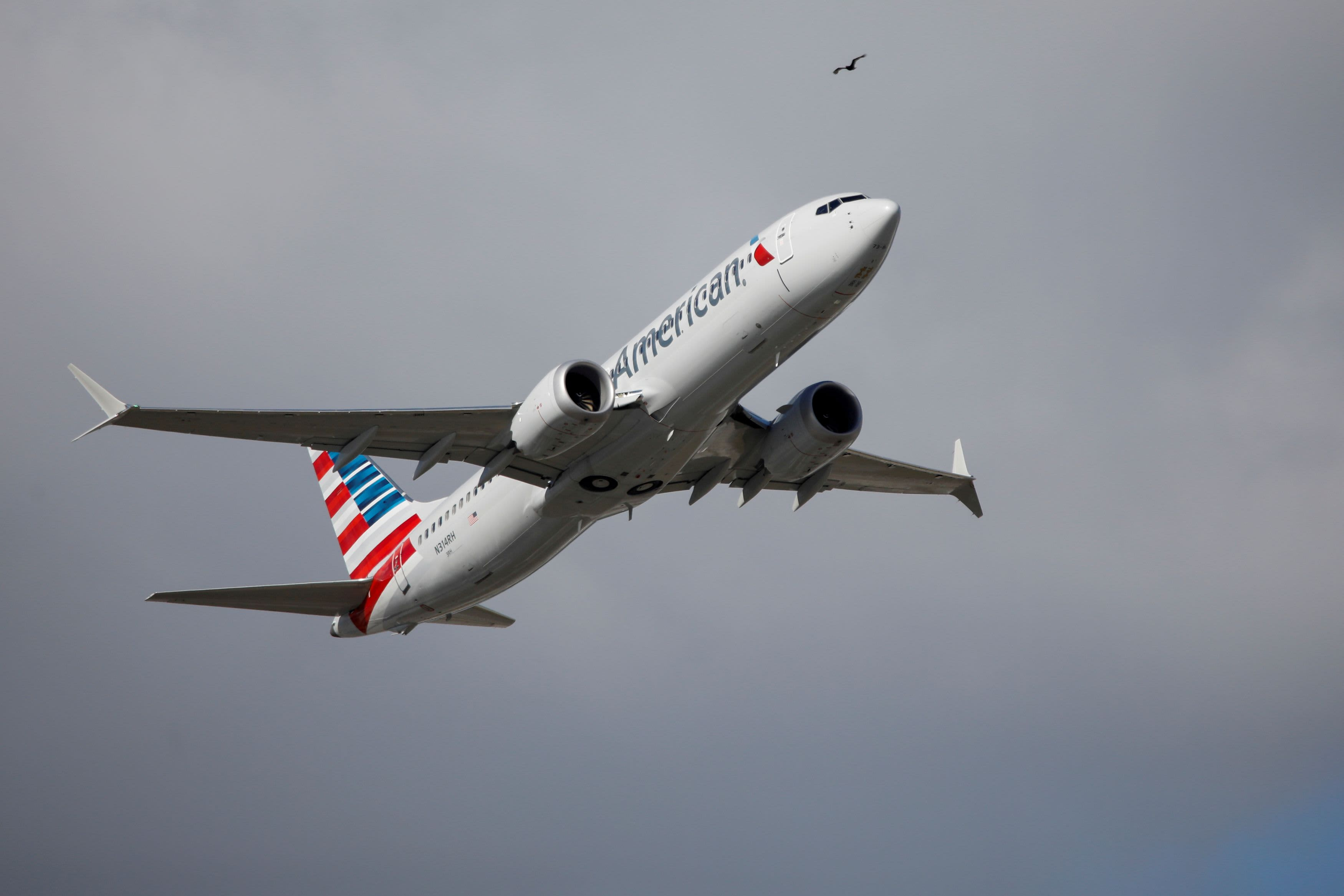American Airlines to resume hiring pilots this fall as travel demand recovers