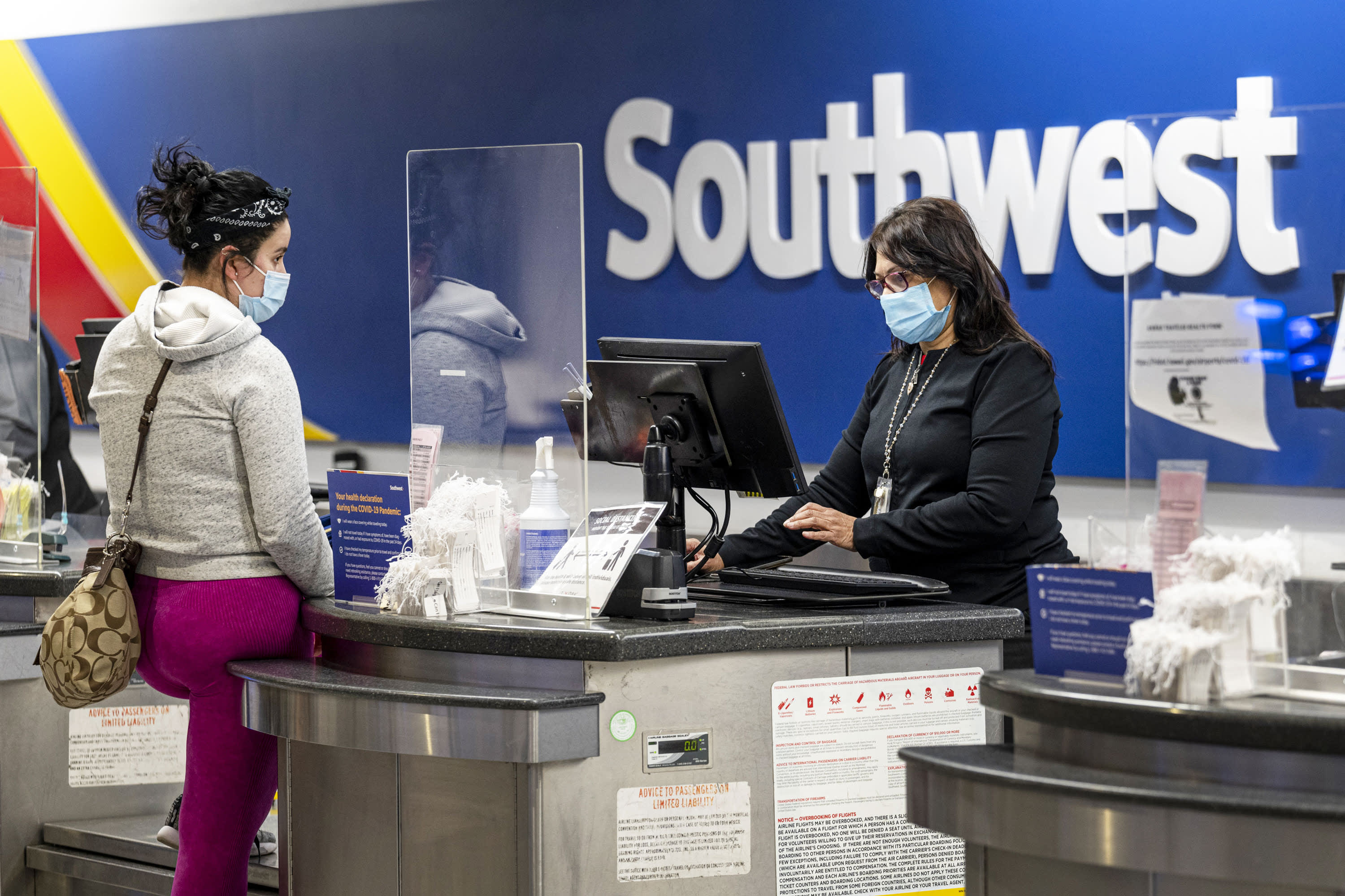 Southwest Airlines says staff must be vaccinated against Covid by Dec. 8 under federal rules – CNBC