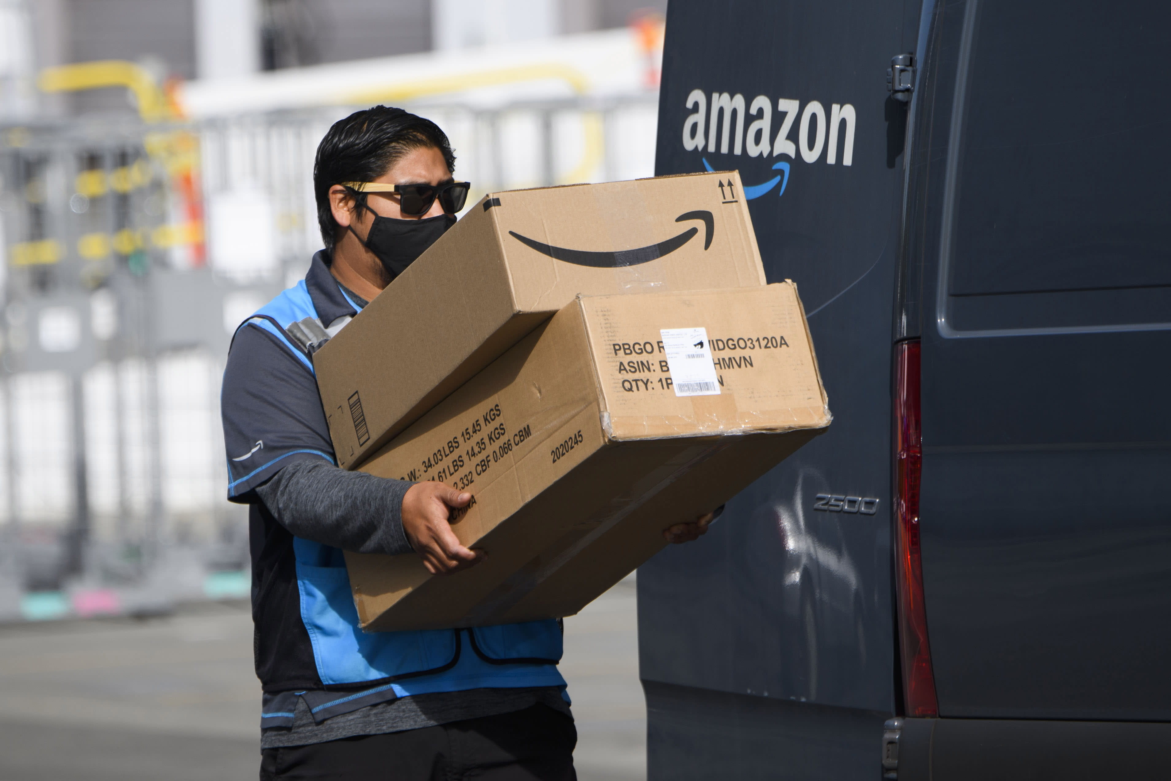 Amazon is using AI-equipped cameras in delivery vans and some drivers are concerned about privacy
