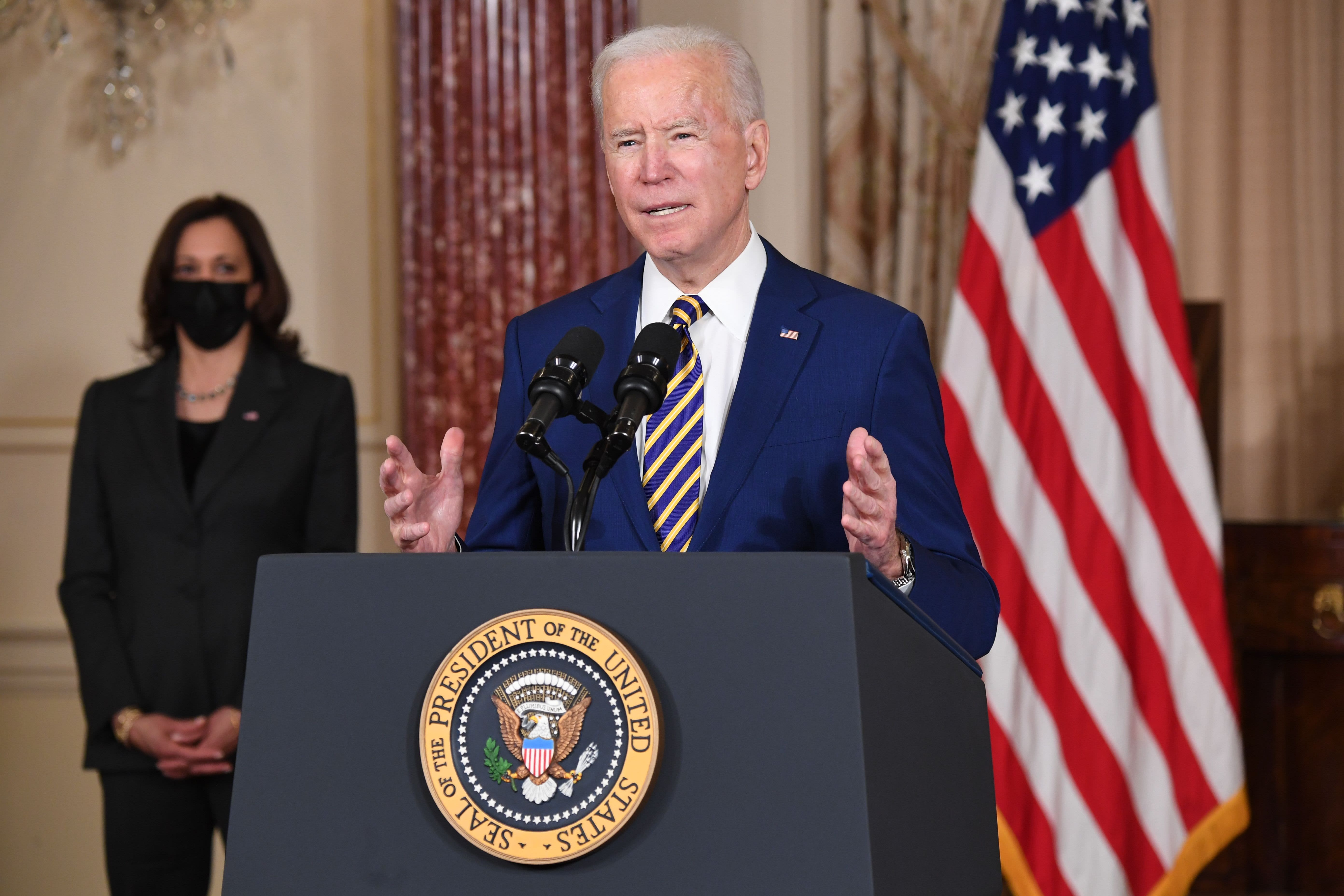 Biden says U.S. will not hesitate to raise the cost on Russia, calls for Navalny's immediate release - CNBC