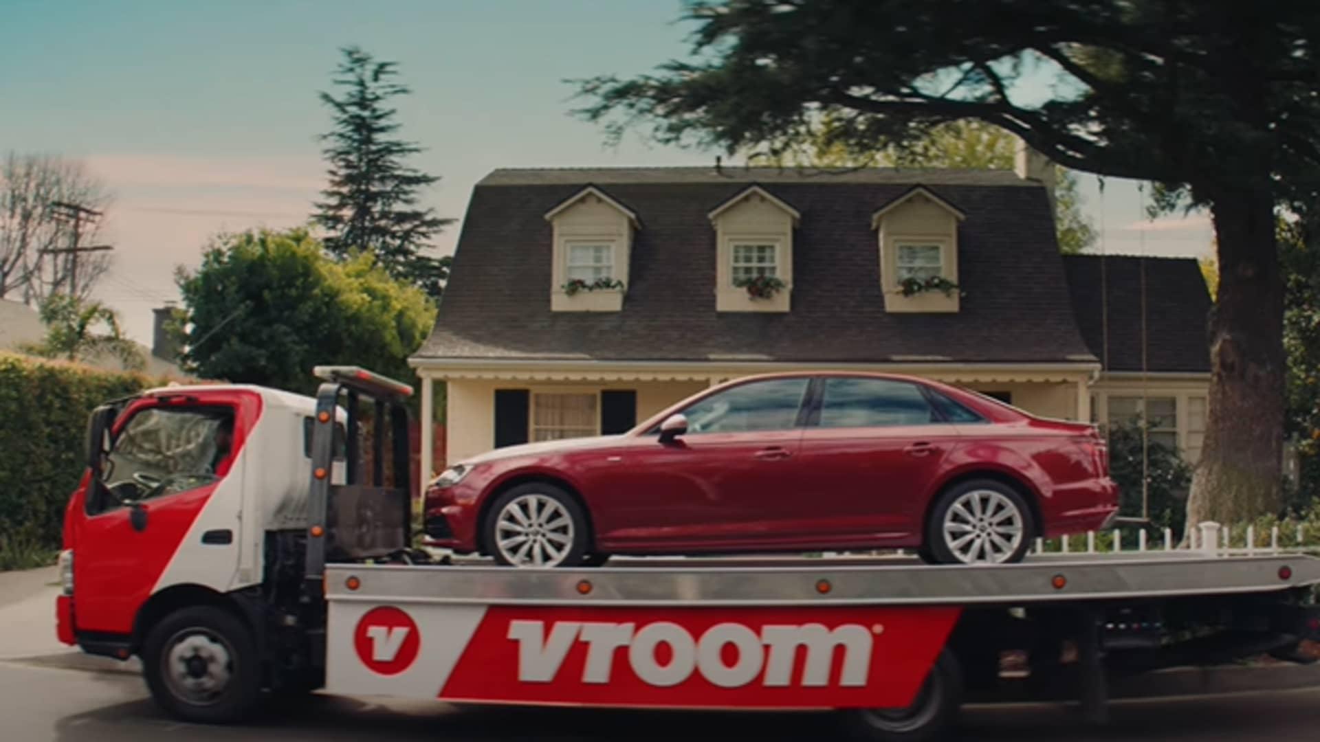Still from Vroom's Super Bowl ad.