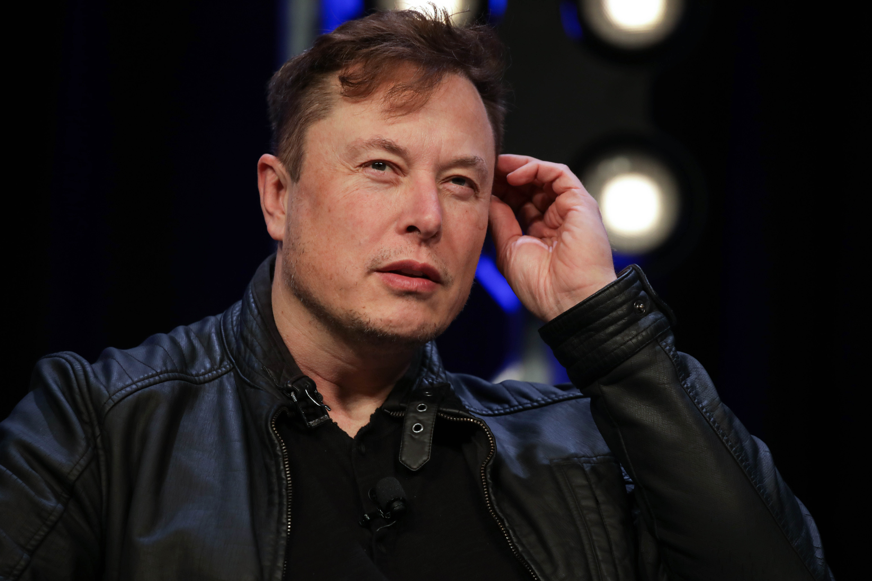 Elon Musk says bitcoin seems high after surpassing $1 trillion market cap – CNBC