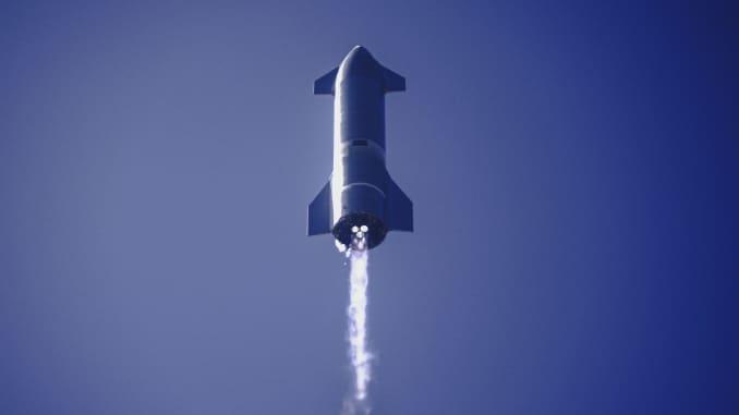 Nguyên mẫu tàu Starship SN9 phóng từ cơ sở phát triển của công ty ở Boca Chica, Texas.