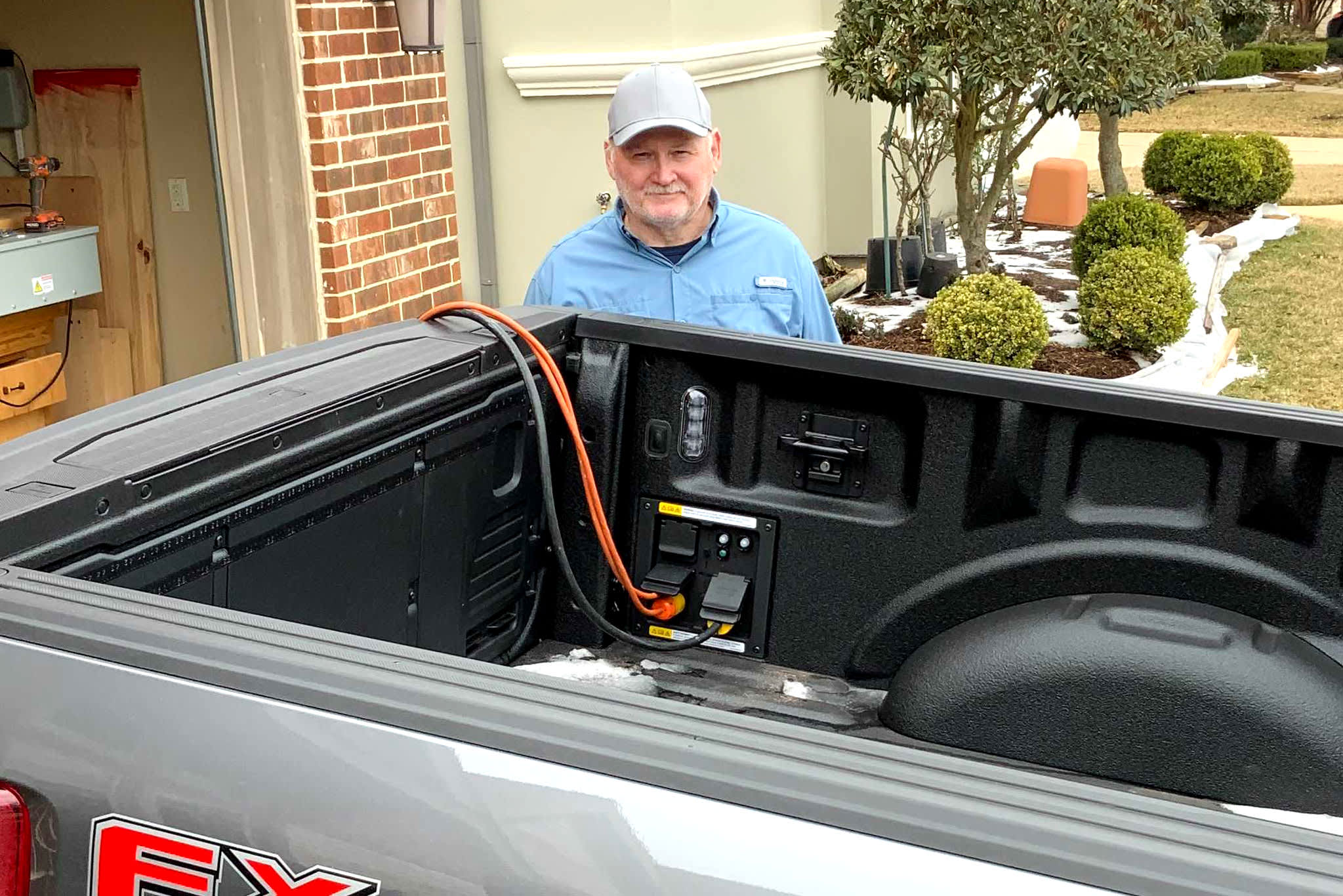 Some Texans utilize 2021 Ford F-150 hybrids to power houses in the middle of winter season storm thumbnail