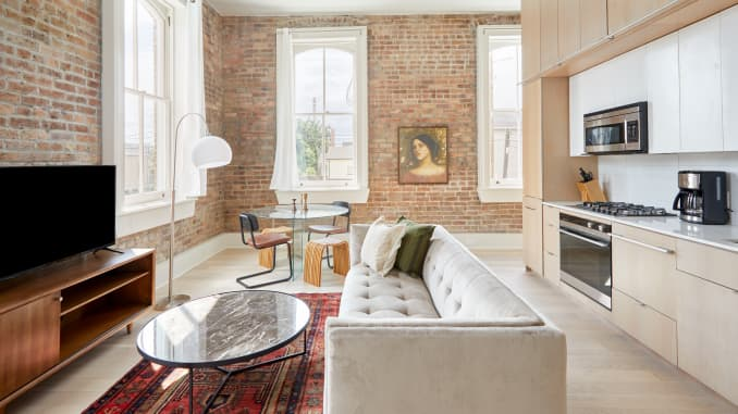 A one-bedroom apartment in New Orleans that can be rented through Sonder.
