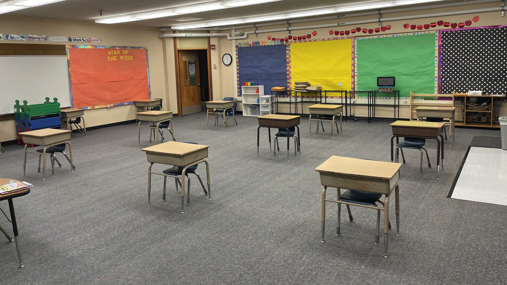 A classroom prepped for students at Oak Heights Elementary School in Washington State.