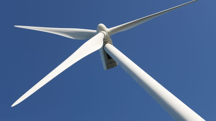 cnbc.com - Anmar Frangoul - Major offshore wind farm using 187-meter high turbines starts to produce power