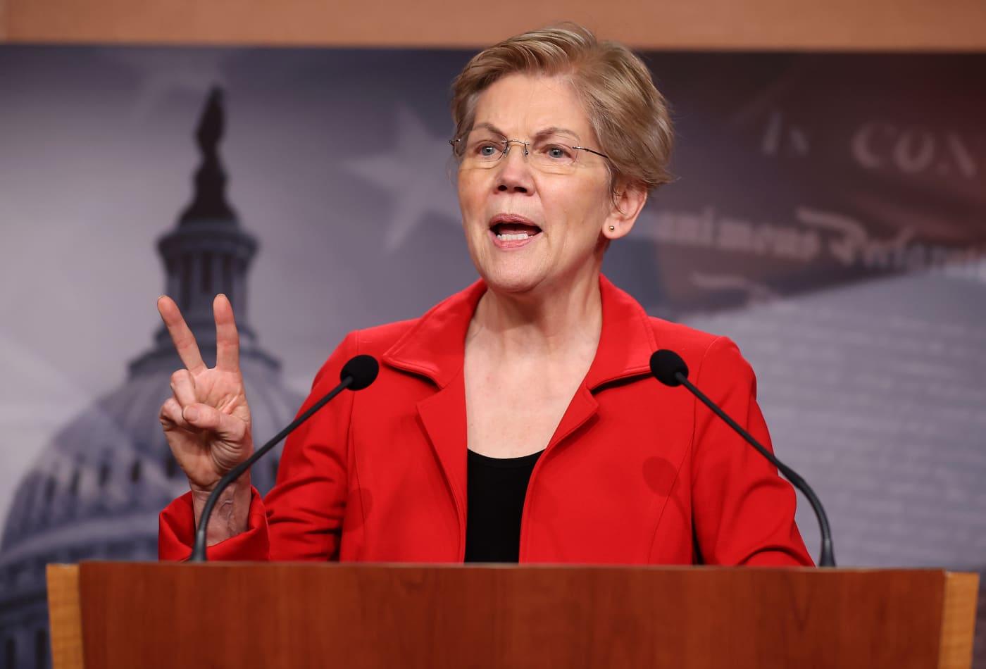 21 Senate Dems urge Biden to put recurring stimulus checks, unemployment in recovery plan