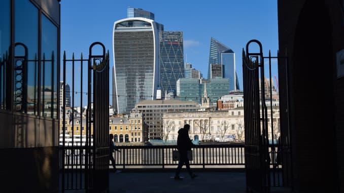 Quang cảnh Thành phố Luân Đôn vào một ngày quang đãng.