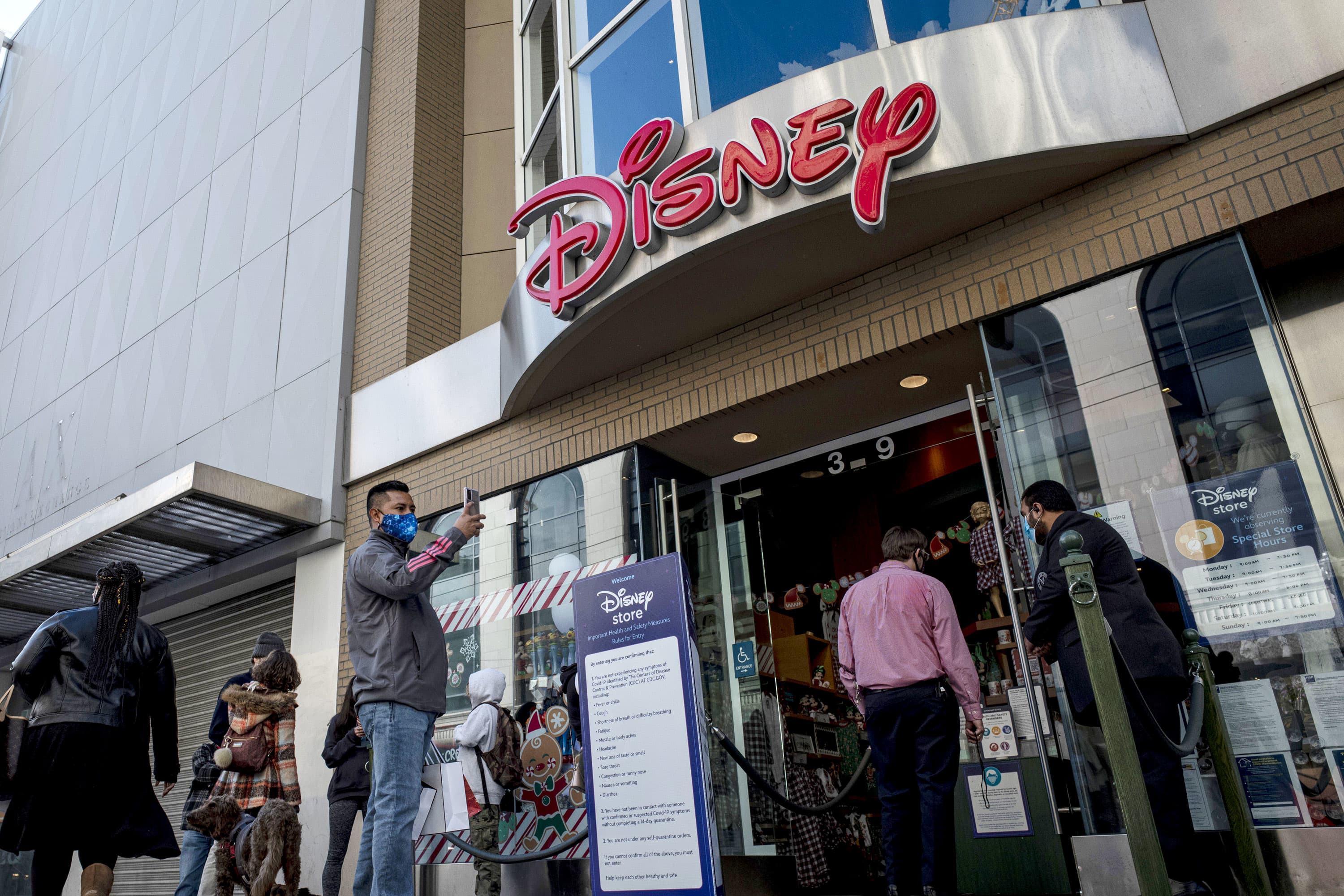 Disney shuttering at least 20% of Disney Stores as it shifts focus to e-commerce - CNBC