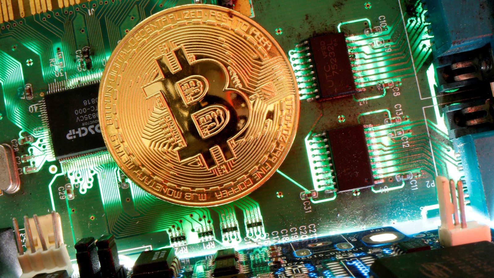 sec nustoja prekiauti bitcoin)