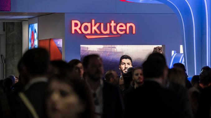 BARCELONA, CATALONIA, TÂY BAN NHA - 27/02/2019: Logo Rakuten được nhìn thấy trong MWC2019. MWC2019 Mobile World Congress khai mạc để giới thiệu những tin tức mới nhất về các nhà sản xuất điện thoại thông minh. Sự hiện diện của các thiết bị được chuẩn bị để quản lý mạng 5G