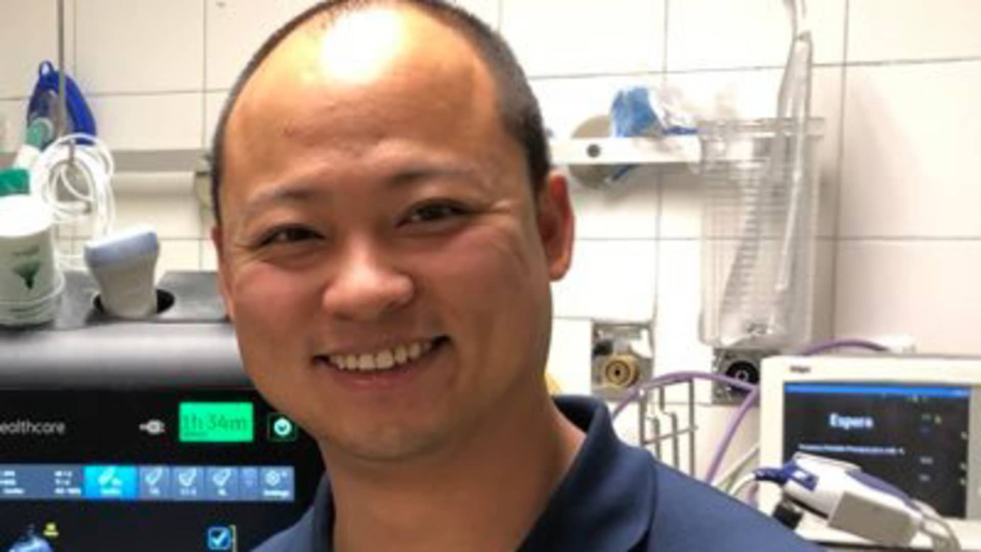 Dr. Yale Tung-Chen, chief of the Division of Ultrasound in Internal Medicine at Hospital Universitario Puerta de Hierro, Majadahonda in Madrid, Spain, who was a clinical evaluator of Vscan Air. He's currently working in the Spanish Covid-19 specialized Isabel Zendal Emergency Hospi