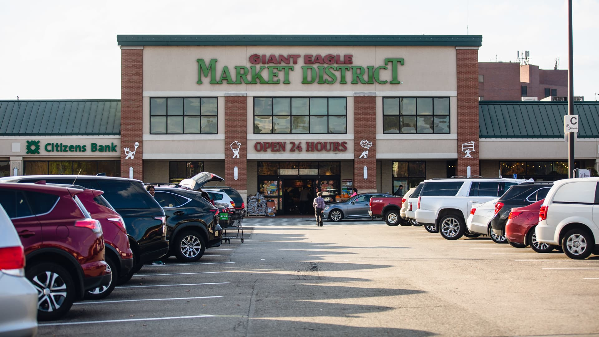 A Giant Eagle Inc. Market District supermarket stands in Pittsburgh, Pennsylvania, U.S., on Tuesday, Oct. 29, 2019.