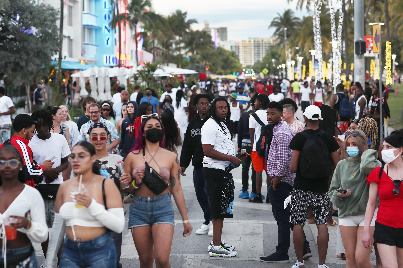 CDC menyarankan untuk melawan pesawat ulang-alik sementara trend semi menghancurkan kekacauan mengkhawatirkan beberapa agen Miami Seaside berusaha untuk menjadi lebih baik dari pandemi thumbnail