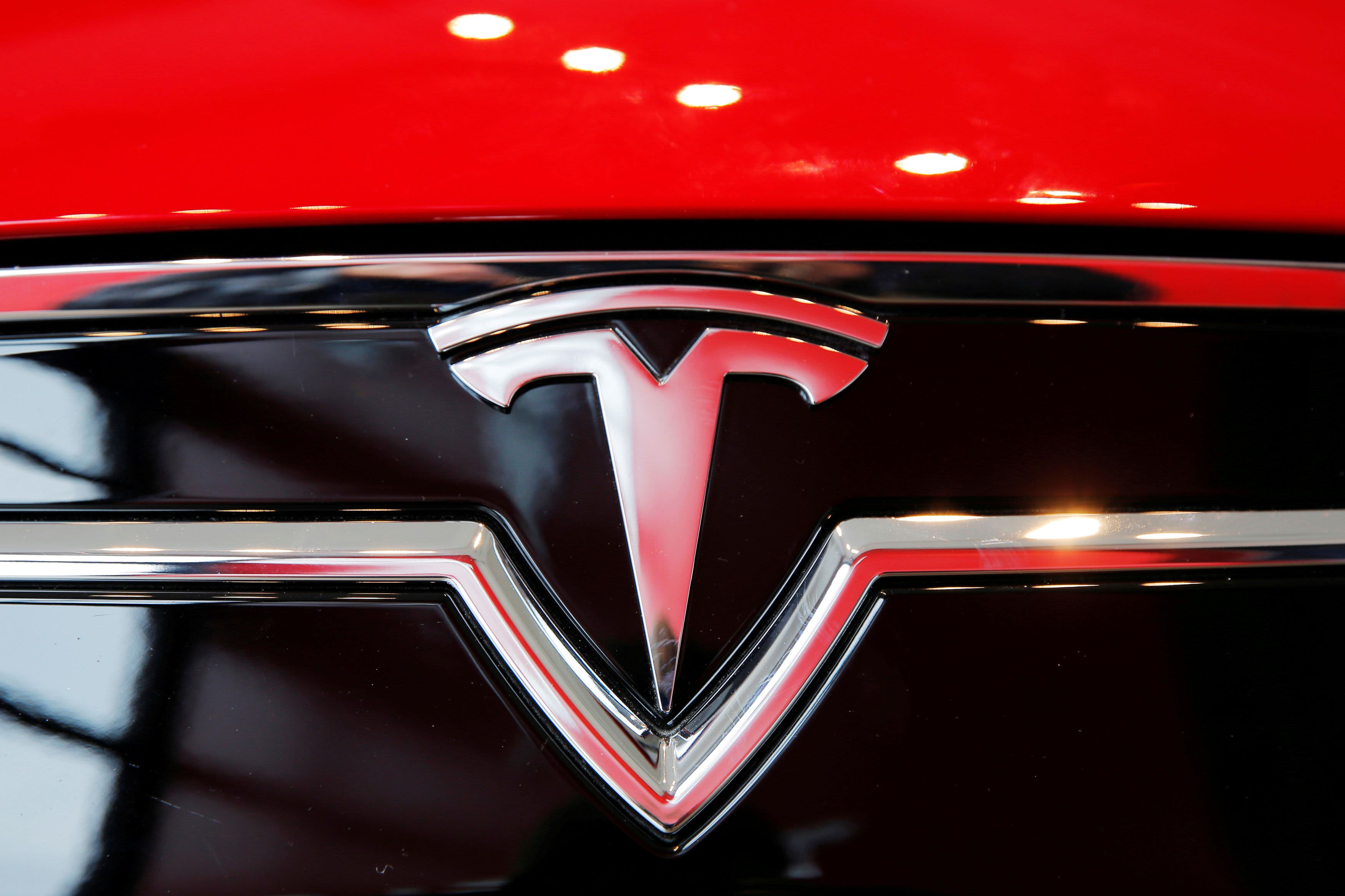 'No one was driving' in Tesla crash that killed two men in Spring, Texas, report says