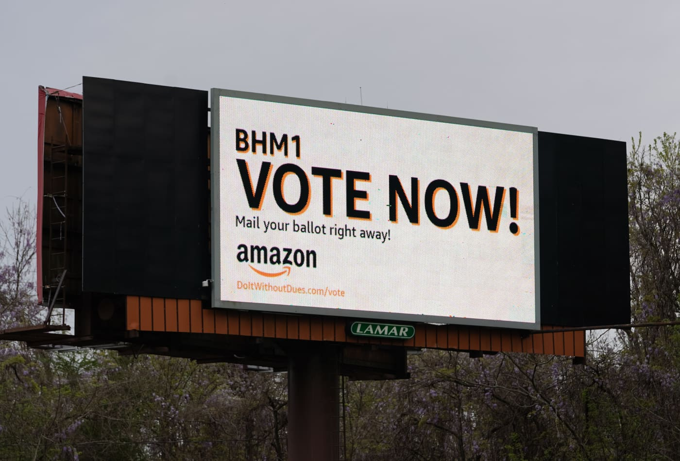 Amazon illegally interfered in Alabama warehouse election, union alleges in complaint to federal officials
