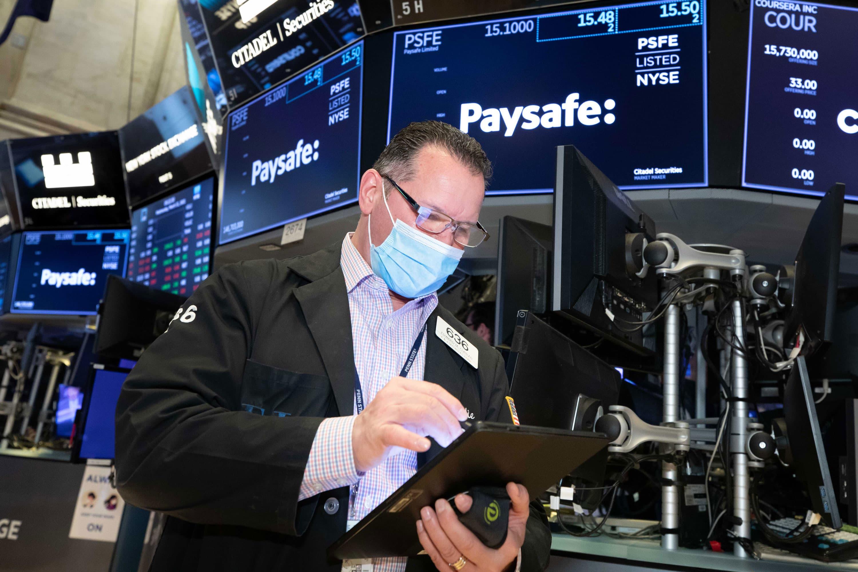 Treasury yields rise ahead of job openings data