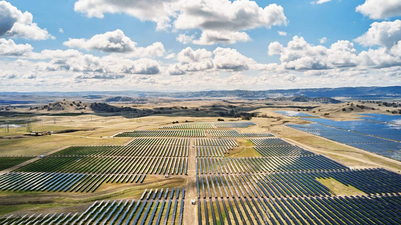 Apple will use Tesla Megapack batteries at its solar farm facility