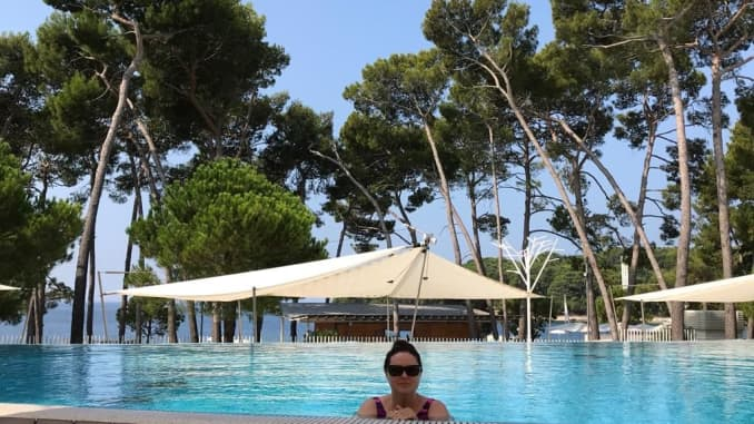 Croatia's first official remote worker relaxes in a pool.