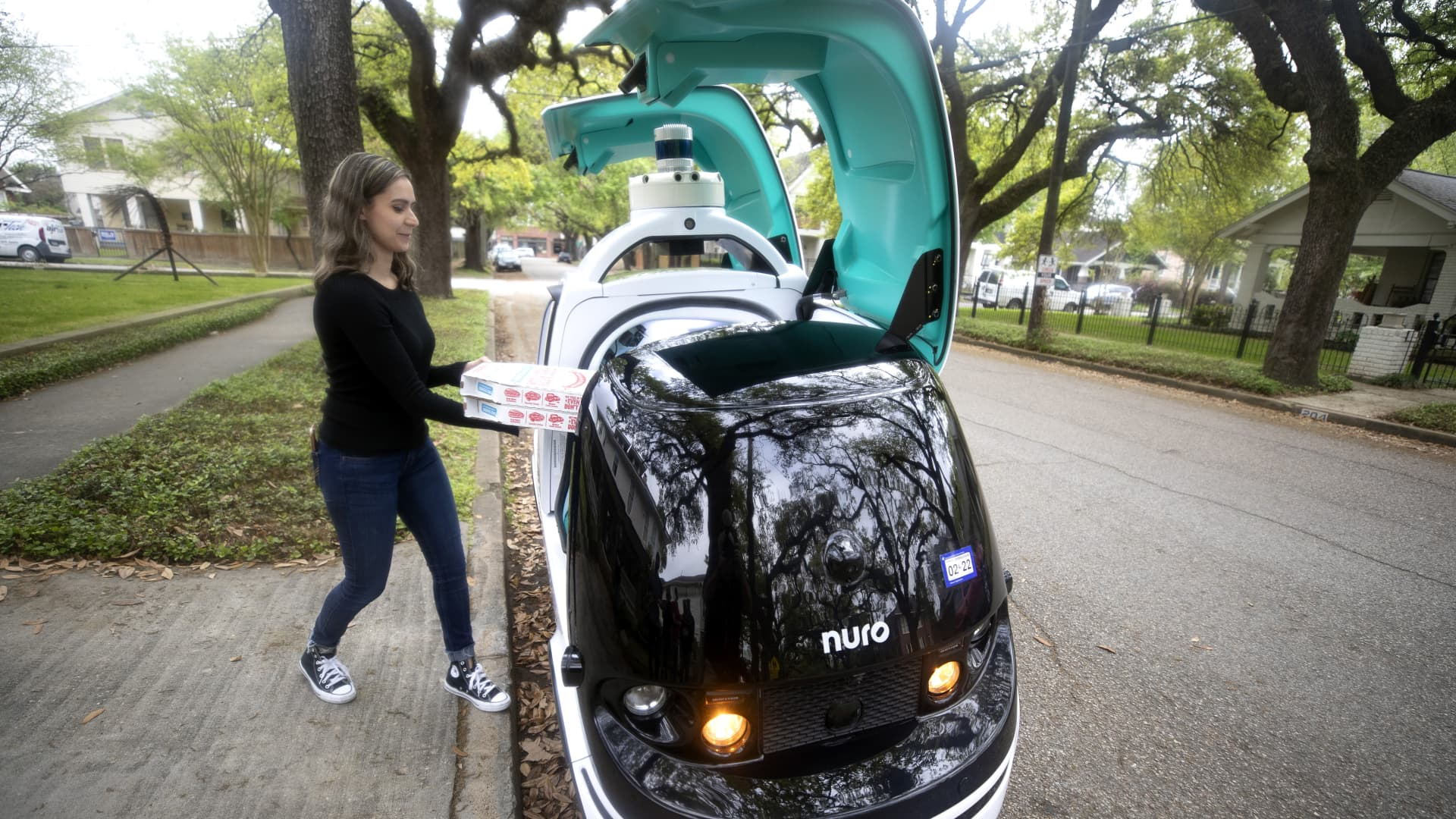 Domino's tests Nuro, an autonomous car for pizza delivery in Houston.