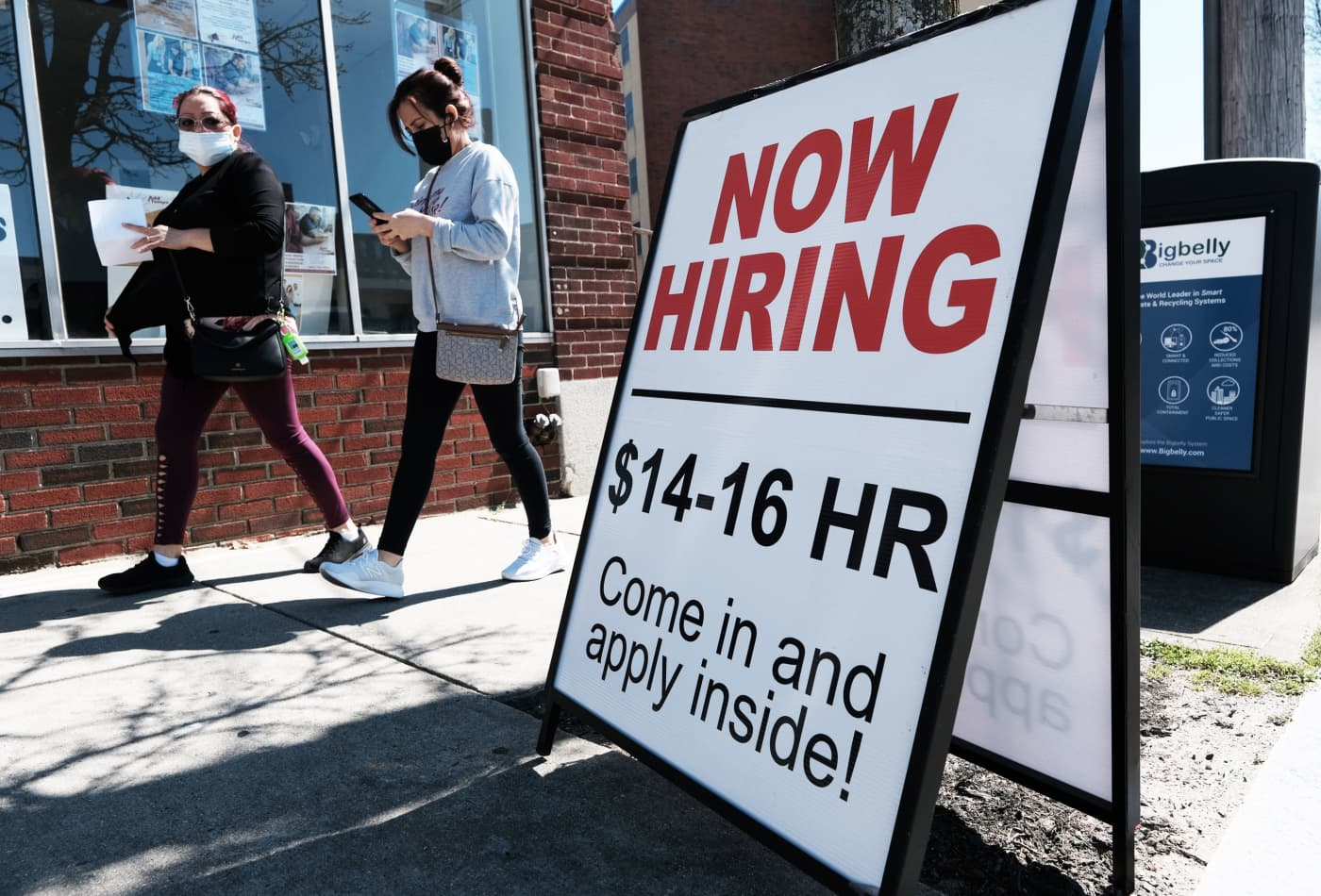The stock market may be misreading what this weak jobs report means for the Fed